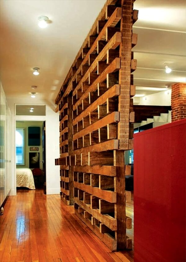 Patetioning Made So Easy of Pallet Room Divider | 101 Pallets on Pallet Room Ideas  id=87865