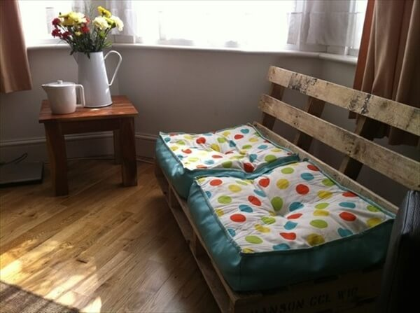 pallet-sofa-diy