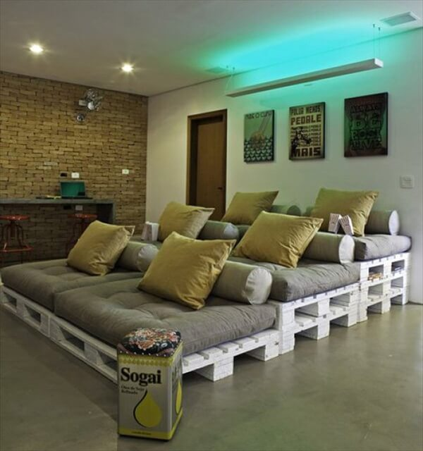 pallet theatre seating