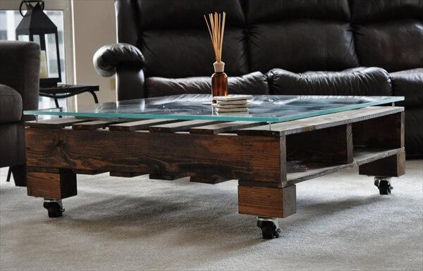 Mesa madera hecha con pallet