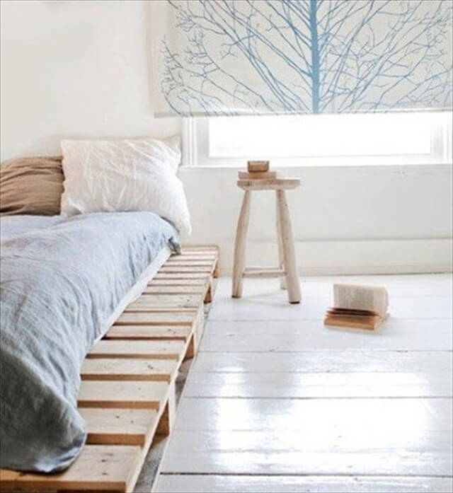 wooden pallet platform bed for new bedroom 101 pallets