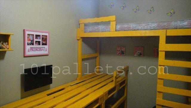 Daughter Room Decor with Pallets