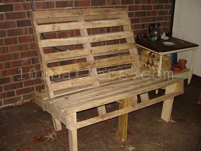 Inexpensive benches made of pallets 101 pallets Chairs made out of wooden pallets