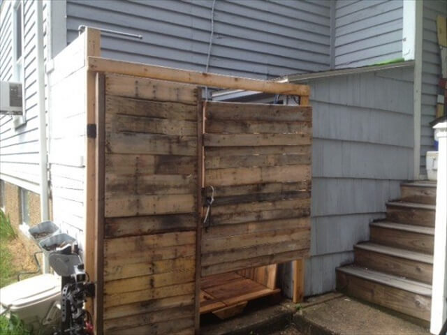 Outdoor shower from pallets 101 pallets - How to make an outdoor shower ...