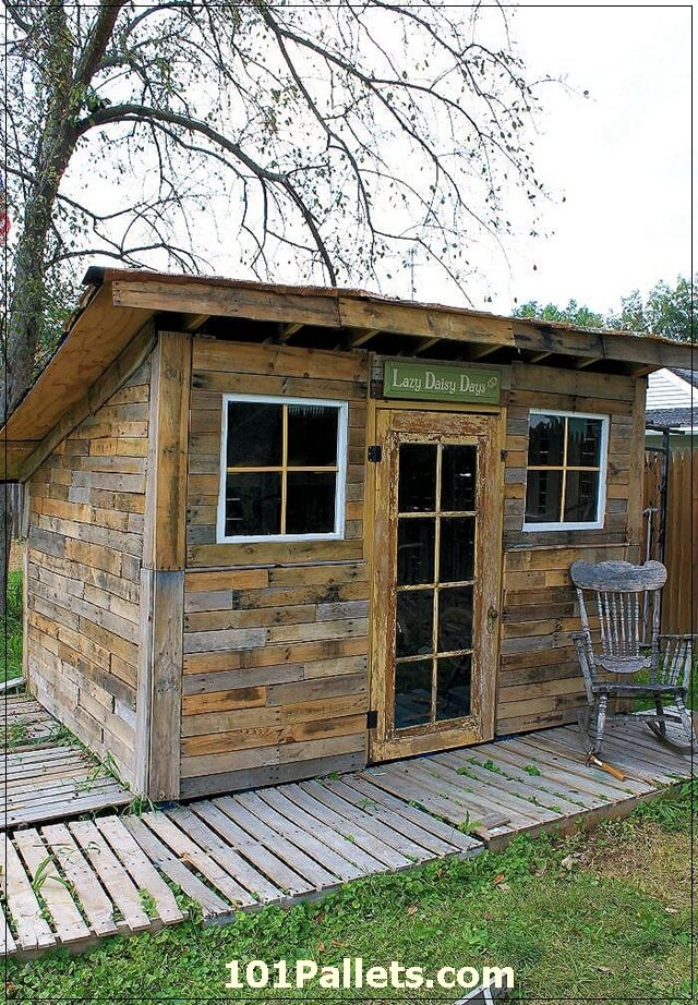 Beautiful DIY Shed Using Pallets 101