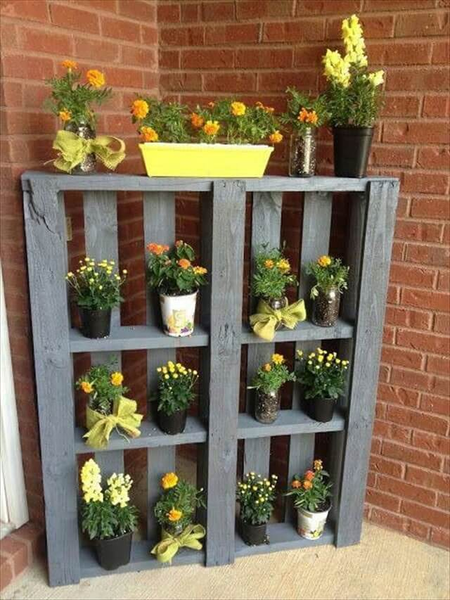 pallet garden and vertical planter - Garden Ideas Using Pallets