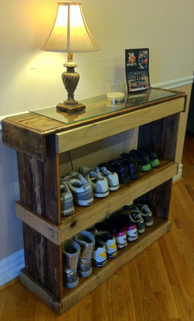 rustic shoe shelf or bookcase pallet furniture 101 pallets. Black Bedroom Furniture Sets. Home Design Ideas