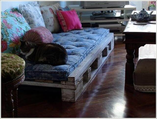 top 30 diy pallet sofa ideas 101 pallets. Black Bedroom Furniture Sets. Home Design Ideas