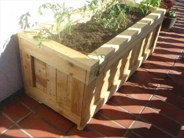 Make Pallet Planters