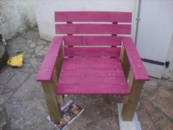 chair with pallet wood