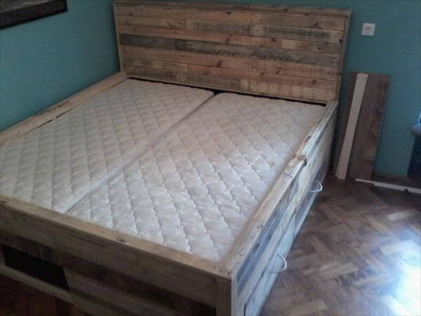 Pallet Bed With Storage of Mattress on Pallet Bed