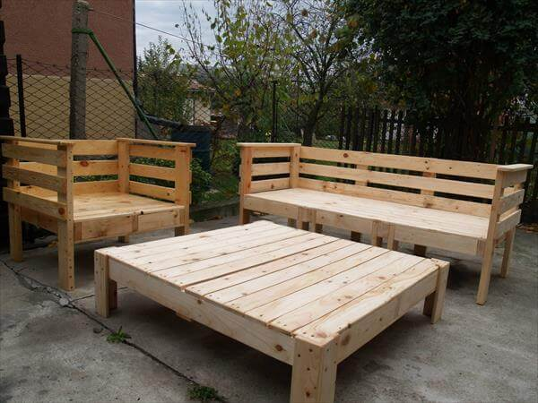 Pallet outdoor furniture set 101 pallets Diy outdoor furniture