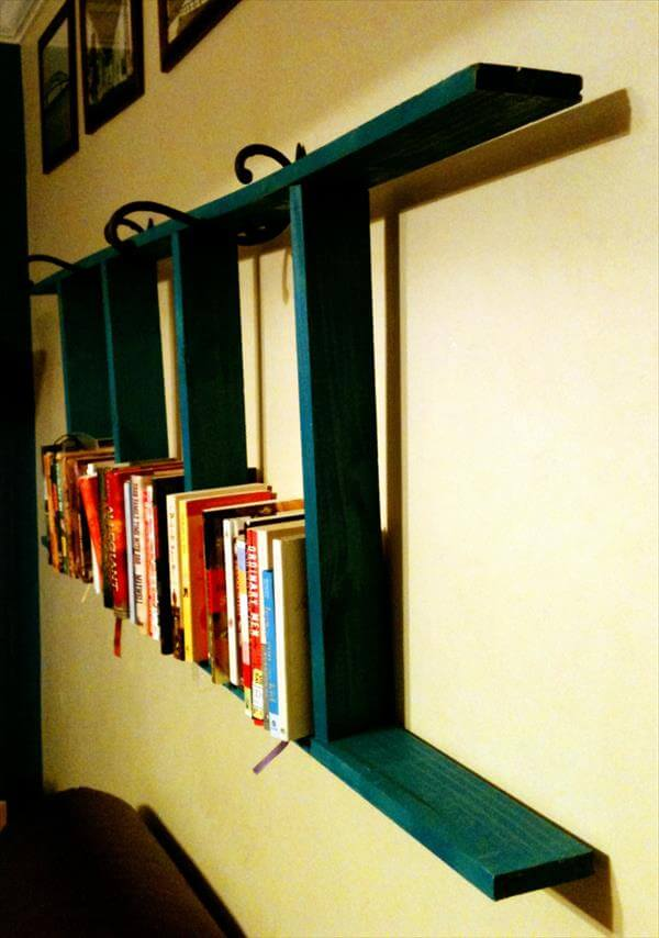 Pallet Ladder Bookshelf