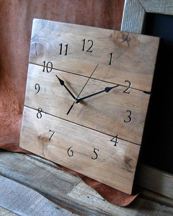 5 Diy Clocks Made From Pallets 101 Pallets