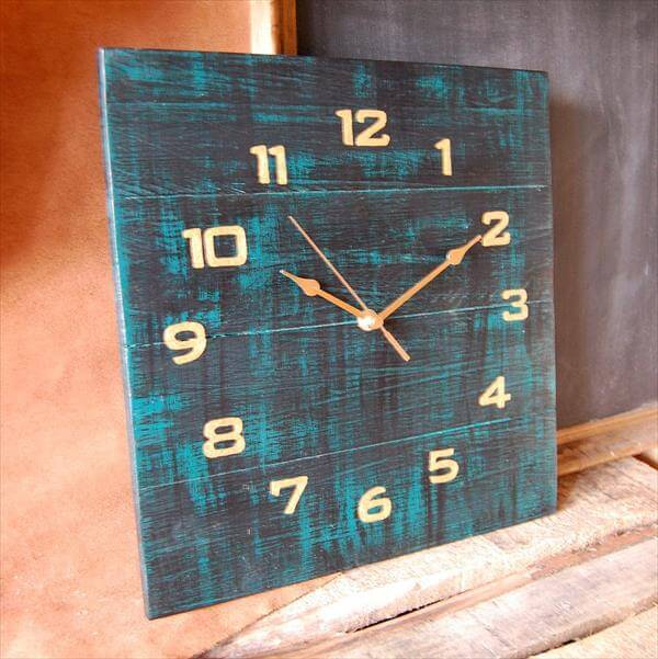 diy clock from pallets