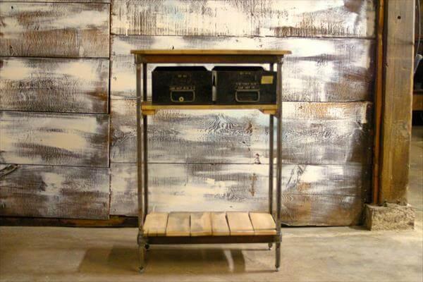 reclaimed  pallet steel side table