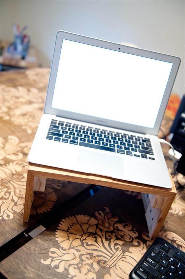 Wooden Pallet Laptop Riser 101 Pallets