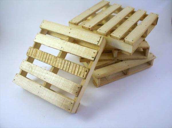 upcycled pallet mini coasters