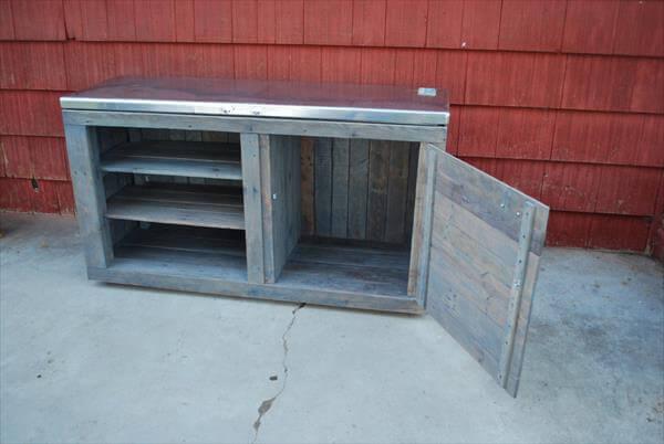 reclaimed pallet storage unit