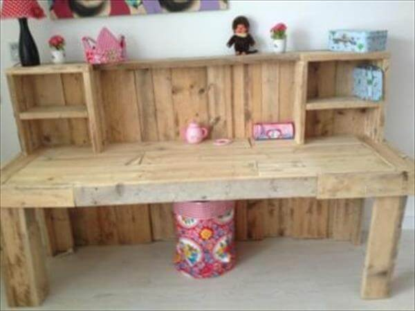... diy pallet desk with 2 drawers study desk diy pallet wood distressed