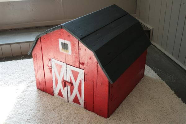 related posts diy pallet toy barn with chalkboard roof pallet and barn ...