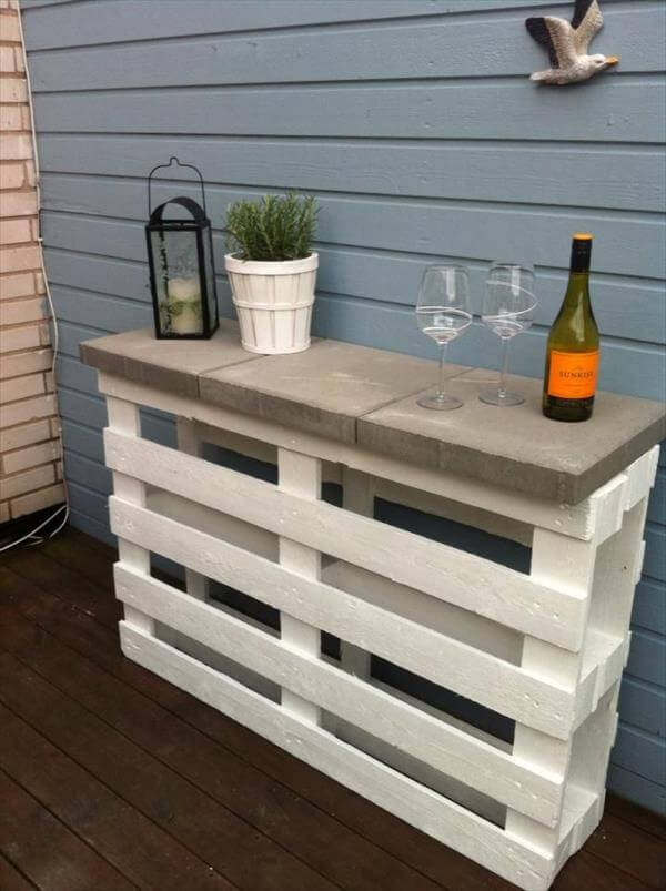 posts pallet wood sofa side table stained pallet side table diy ...