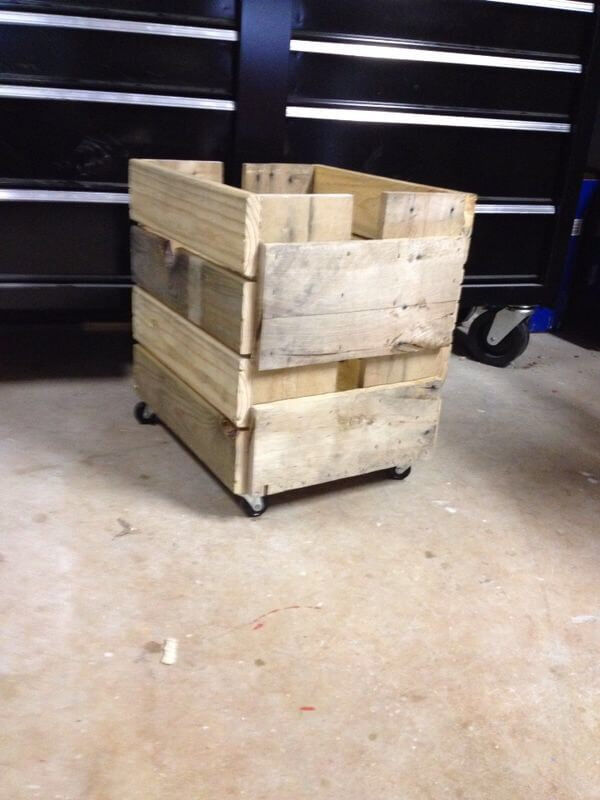 DIY Pallet Planter Box With Casters 101 Pallets