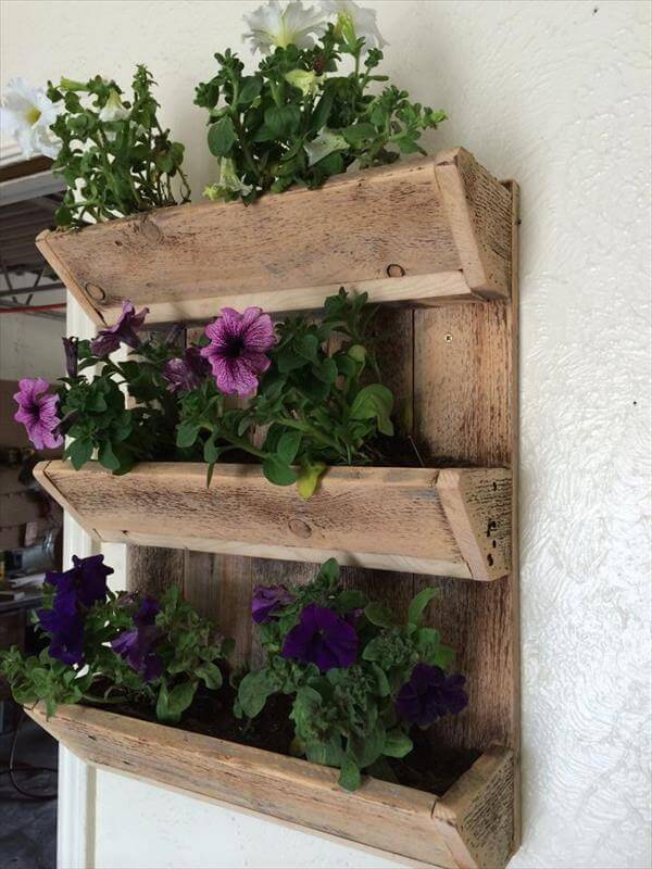 how to make a wall planter from pallets