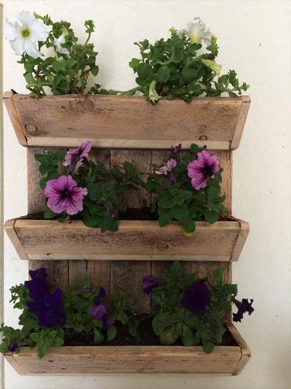 diy pallet triple bunk wall planter