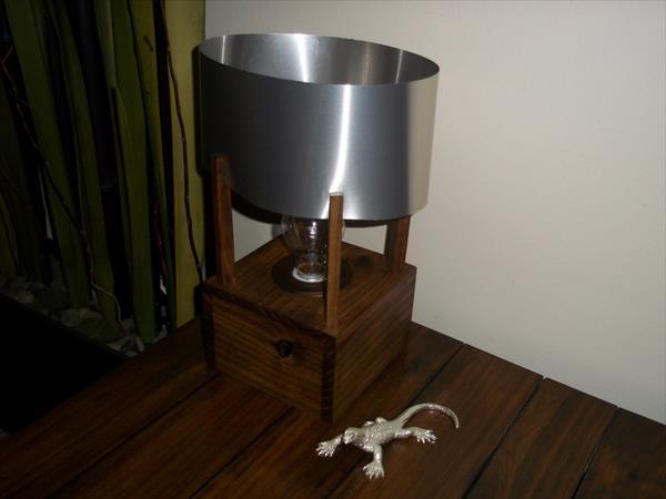 reclaimed pallet aluminum table lamp