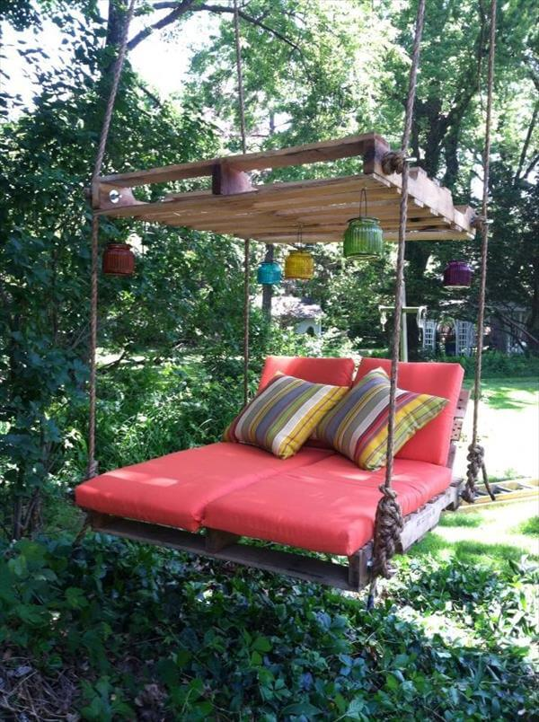 recycled pallet hanging lounger