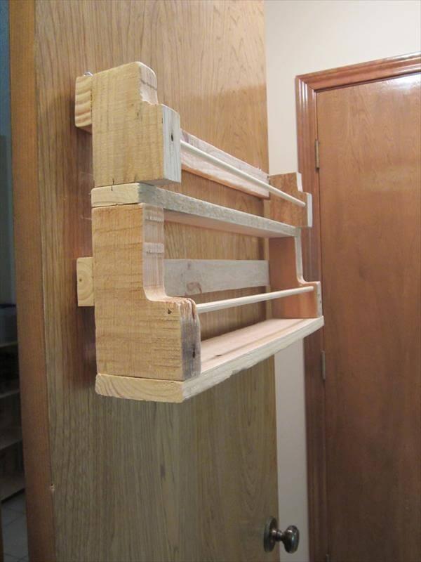 Diy Pallet Wood Spice Rack 101 Pallets