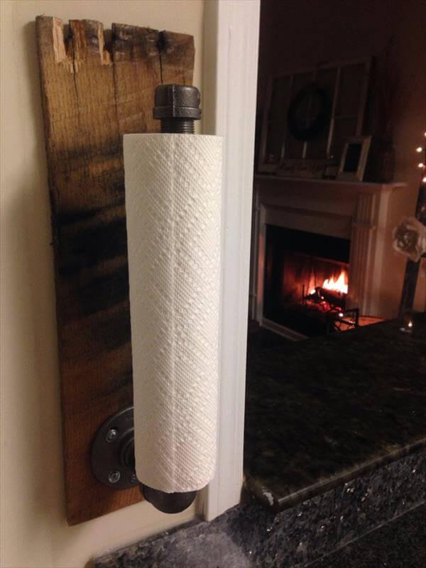 Diy Industrial Pallet Towel Holder 101 Pallets