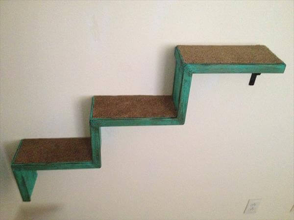 diy pallet two cat stairs and a bed 101 pallets