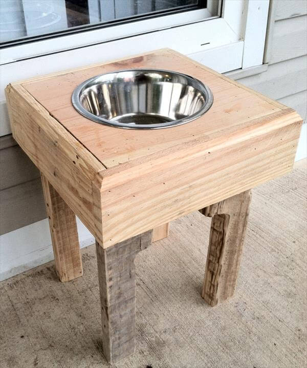 Recycled Pallet Dog Bowl Stand