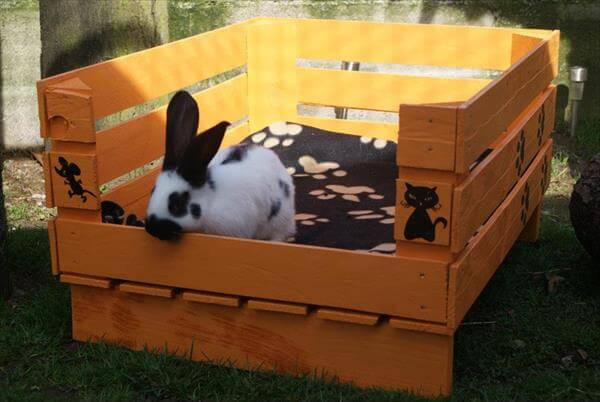 repurposed pallet pet bed