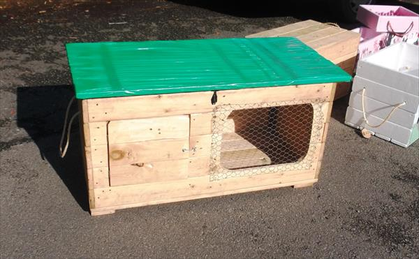 upcycled pallet small animal hutch