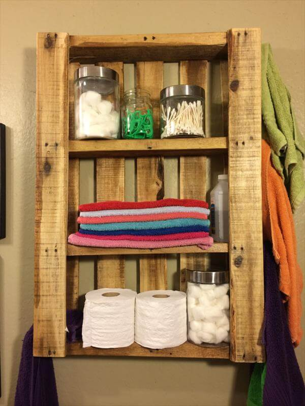 diy pallet bathroom wall hanging shelf 101 pallets. Black Bedroom Furniture Sets. Home Design Ideas