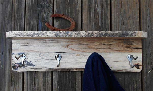 reclaimed pallet coat rack