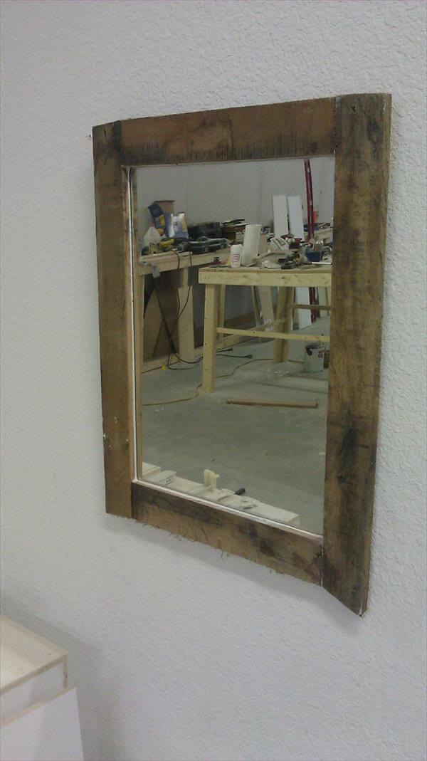 Diy Rustic Pallet Mirror 101 Pallets