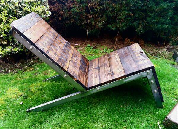 DIY Industrial Pallet Adirondack Chair