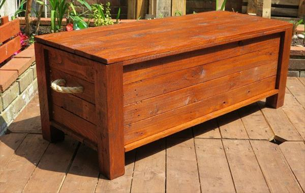 recycled pallet trunk with rope pulls