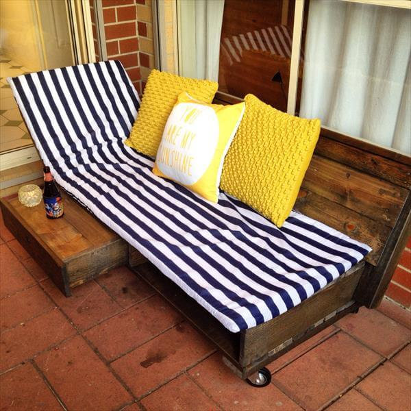 recycled pallet daybed and lounging chair