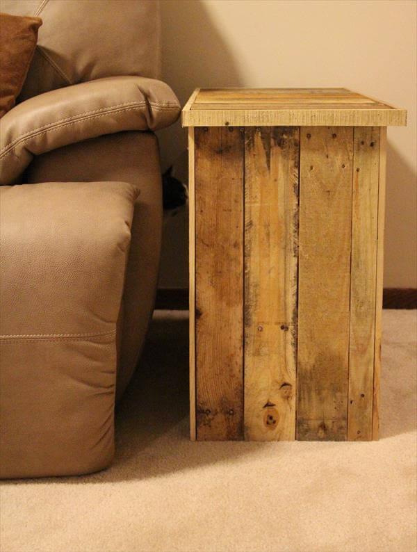 DIY Pallet Furniture: Side Table | 101 Pallets
