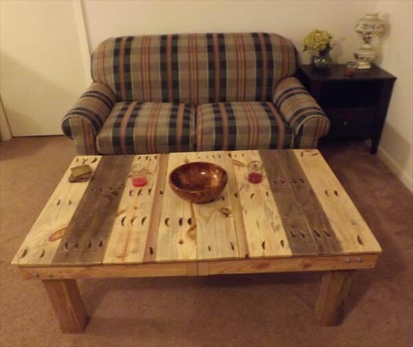 DIY Pallet Coffee Table With Removable Legs