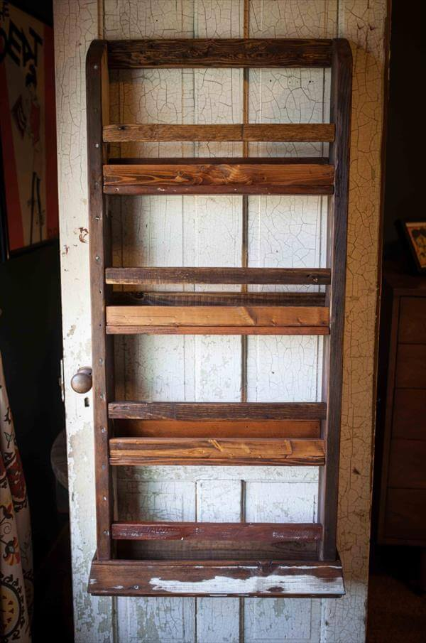 Pallet Wood Wall Hanging Magazine Rack 101 Pallets