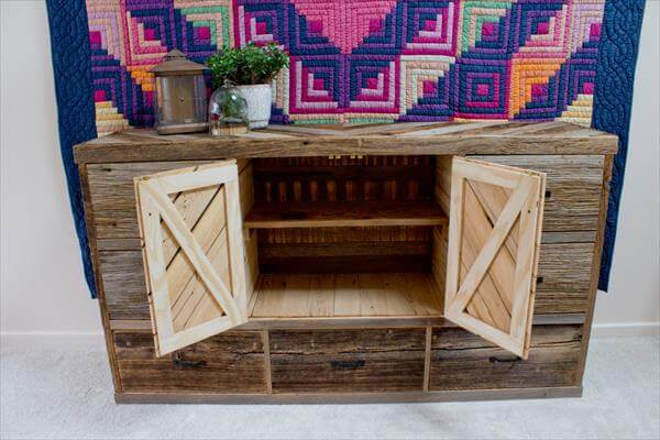 DIY Pallet Wood and Crate Dresser Pallet Dresser with12 Drawers DIY ...