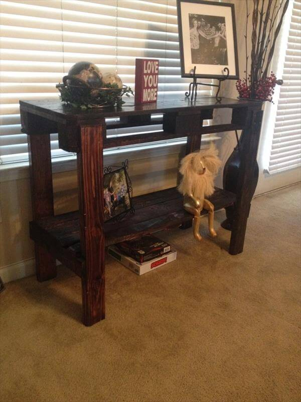 recycled pallet entry table