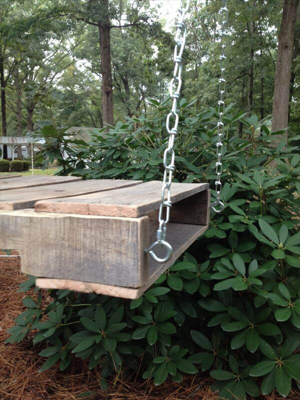 repurposed pallet outdoor swing