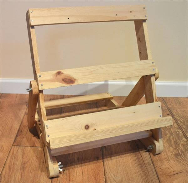 Build An Adjustable Easel